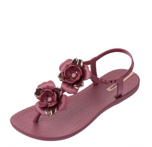6dfbb456a Ipanema Floral Sandal Special women's sandals combine comfort and style.  The berry colour upper features