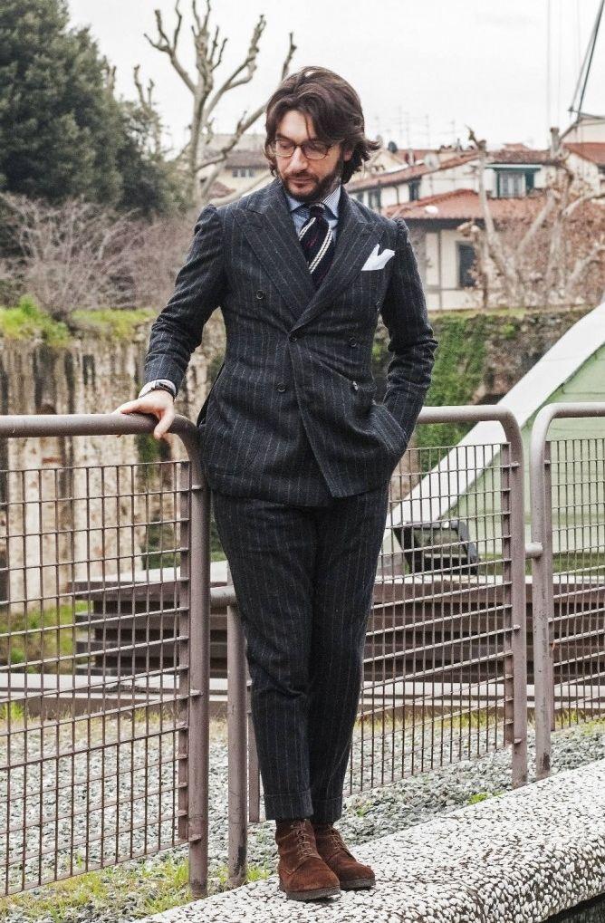 ダブルスーツ着こなしグレーのPitti Uomo 85 (2014). Nicola Ricci (Sciamat). Source:therakeonline.com-A Flavour Of Florence- Guerre's Pitti Uomo Picks, Excl...