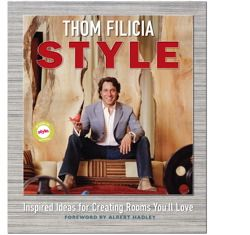 Thom Filicia, whose makeover genius gained attention through his starring roles on Queer Eye for the Straight Guy and Dress My Nest, offers the ultimate handbook for creating gorgeous interiors that showcase your personal style. Those who have witnessed Thom's makeovers on television already know about the moment when the emotionally overwhelmed homeowners are struck speechless by the miracle he created. The same is now possible for you, with the secrets contained in Thom Filicia Style.