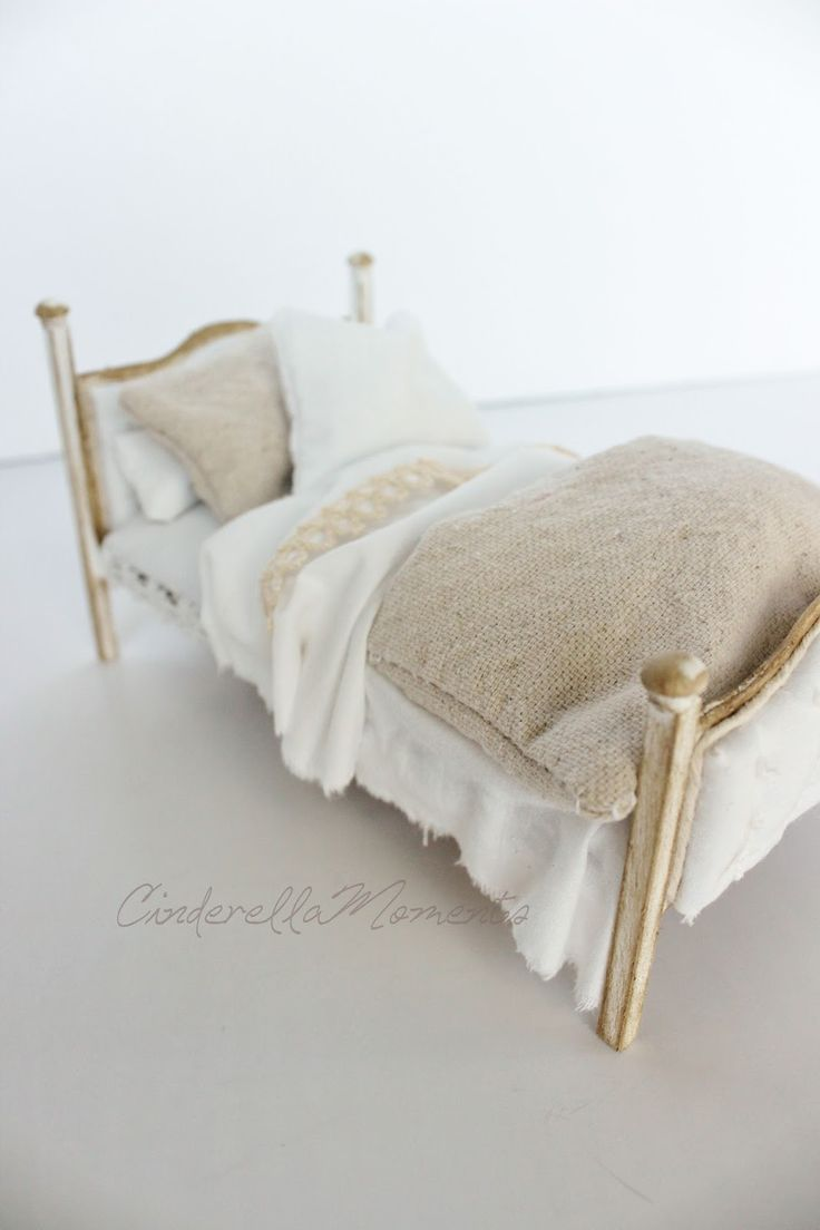 Making a dollhouse bed is a great way to bring some really cozy feel to your dollhouse.  Today, I am going to show you how I make my beds wi...