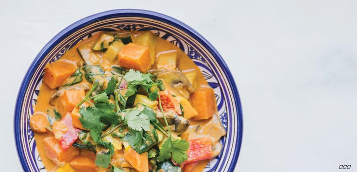 Everyone loves a good curry, and our version is fit for every wholesome nourisher to enjoy. It's vegan friendly and an all-round delicious winter warmer in a bowl.