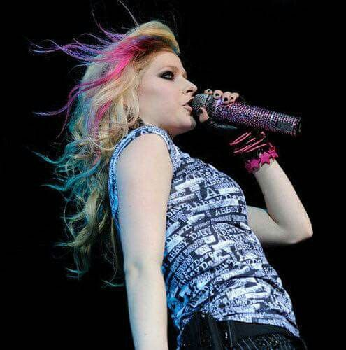 haircuts for bald men 1000 ideas about avril lavigne on avril 3524 | 0b3524c08ba00176c36c7ff4018d1f09
