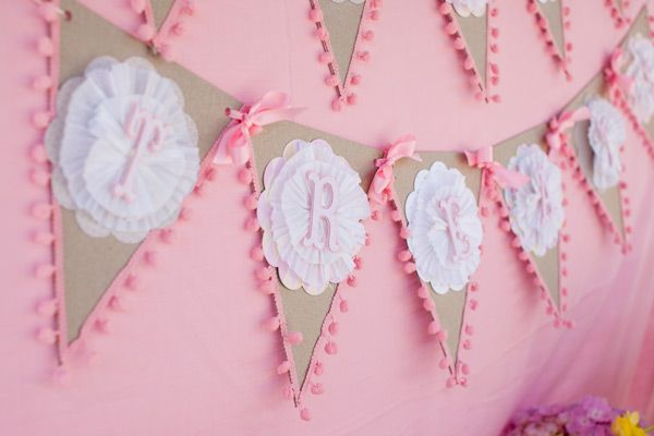 {BN Black Book of Parties} Owl-Themed Baby Shower | A Blissful Nest