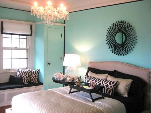 Aqua black and white bedroom decor dream home for Aquamarine bedroom ideas
