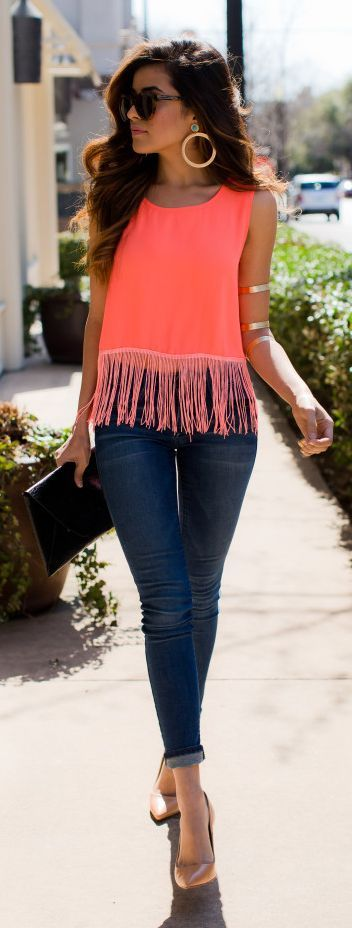 Chic . Fringe fashion. Love the coral top.