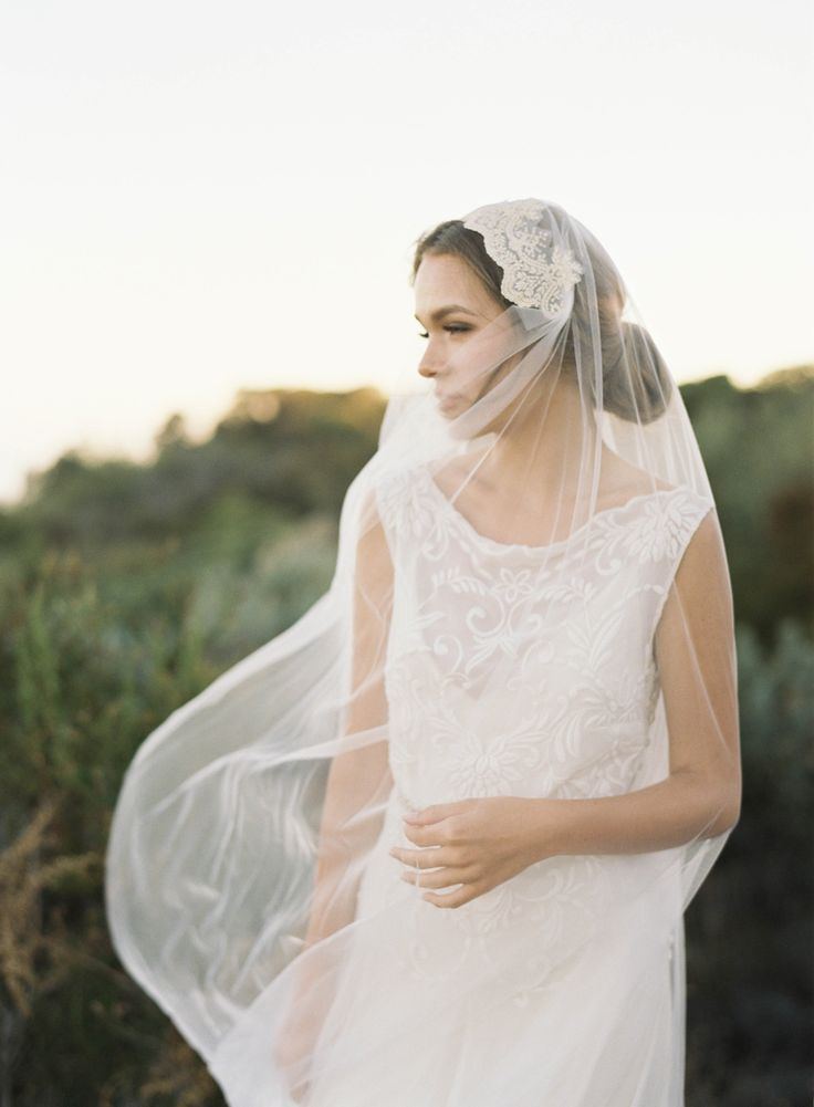 Dreamy wedding veil // Juliet Cap Style // Hushed Commotion // photo by Jen Huang