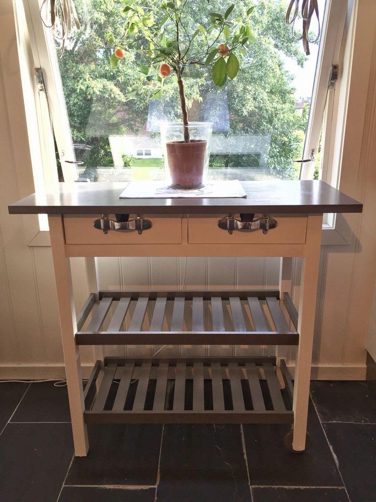 Litt maling og nye håndtak, så får du et nytt tranchérbord fra IKEA.
