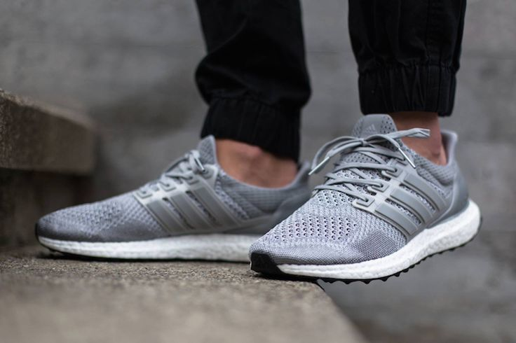 The Adidas Ultra Boost sneaker has become a hit, a hit for counterfeiters as well. Get a 25 point step-by-step guide on spotting fakes from goVerify.it if before it's too late.