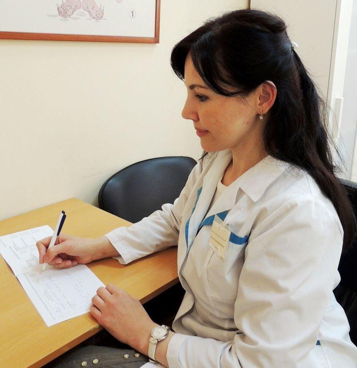 🔹Врач – эндокринолог диагностирует и проводит лечение заболеваний, связанных с нарушением эндокринной системы. Этот врач корректирует гормональный баланс, назначает препараты и диеты для восстановления обмена веществ, устраняет половые дисфункции.  🔹Какие заболевания лечит врач:  ✔️заболевания щитовидной железы; ✔️сахарный диабет; ✔️нарушения функций гипоталамуса и гипофиза; ✔️нарушения метаболизма кальция; ✔️ожирение; ✔️нарушения репродуктивной сферы.  В Мадин-клинике принимает…
