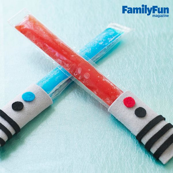 4th of July Party Ideas: Red White & Blue lightsaber popsicles #4thofjuly #craft #recipe