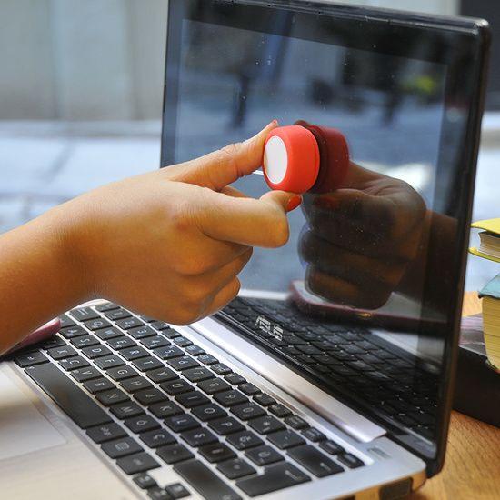 Ekran Temizleyici 📱💻 👉🛒     #clean #iphonex #samsung #samsunggalaxys8 #windows #window #cleaner #ekran #ekrantemizleme #temizlik #iphone #ipad #tablet #bilgisayar #dizüstü #laptop #note #tablet #cam #telefon #telephone
