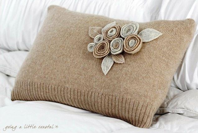 studio34E: Ανακύκλωσε το παλιό σου πουλόβερ -- Diy sweater pillow