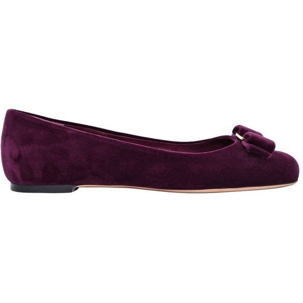 Salvatore Ferragamo Women 10mm Varina Velvet Ballerina Flats (8.664.825 IDR) ❤ liked on Polyvore featuring shoes, flats, purple violet, velvet flats, flat pumps, bow ballet flats, purple ballet shoes and ballet flat shoes