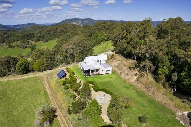 Hill House Cooroy - Noosa Hinterland - Sunshine Coast, QLD