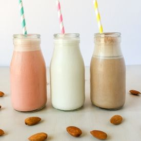 Homemade Flavoured Almond Milks [thenutritionmama]