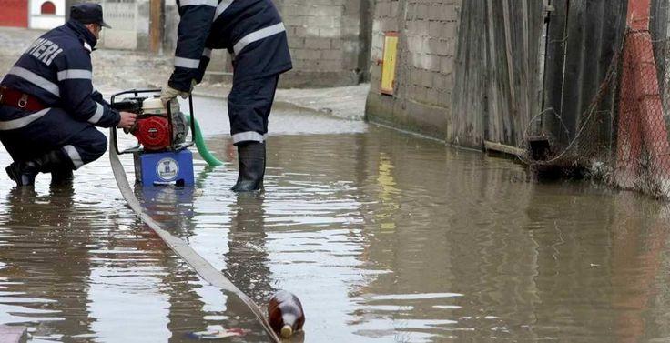 Neputincioși în fața naturii: zeci de familii din Neamț afectate de inundații