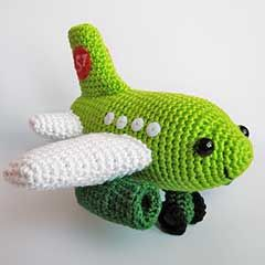 Small Plane amigurumi crochet pattern by Anna Vozika