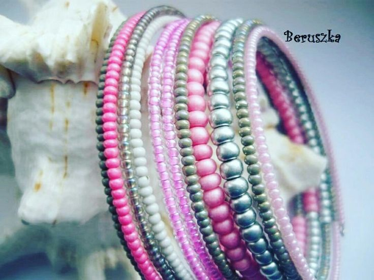 Rokajlový náramek na paměťovém drátu 🌸 50 CZK 🌸 Navléká se natočením na ruku 😱 Jsou úžasné... Vyzkoušeno ! Tato a mnoho dalších barevných variacích ke koupi na #vavavu goo.gl/QLLknj 🌸 #dnestvorim #dnesnosim #handmade #trends #instagood #pink #silver