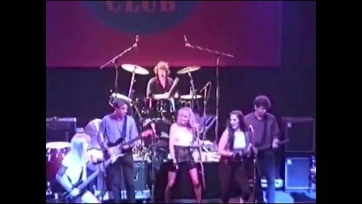 "Tom Tom Club + David Byrne + Jerry Harrison(=Talking Heads) - ""Under The Boardwalk"" (1989)live at The Ritz"