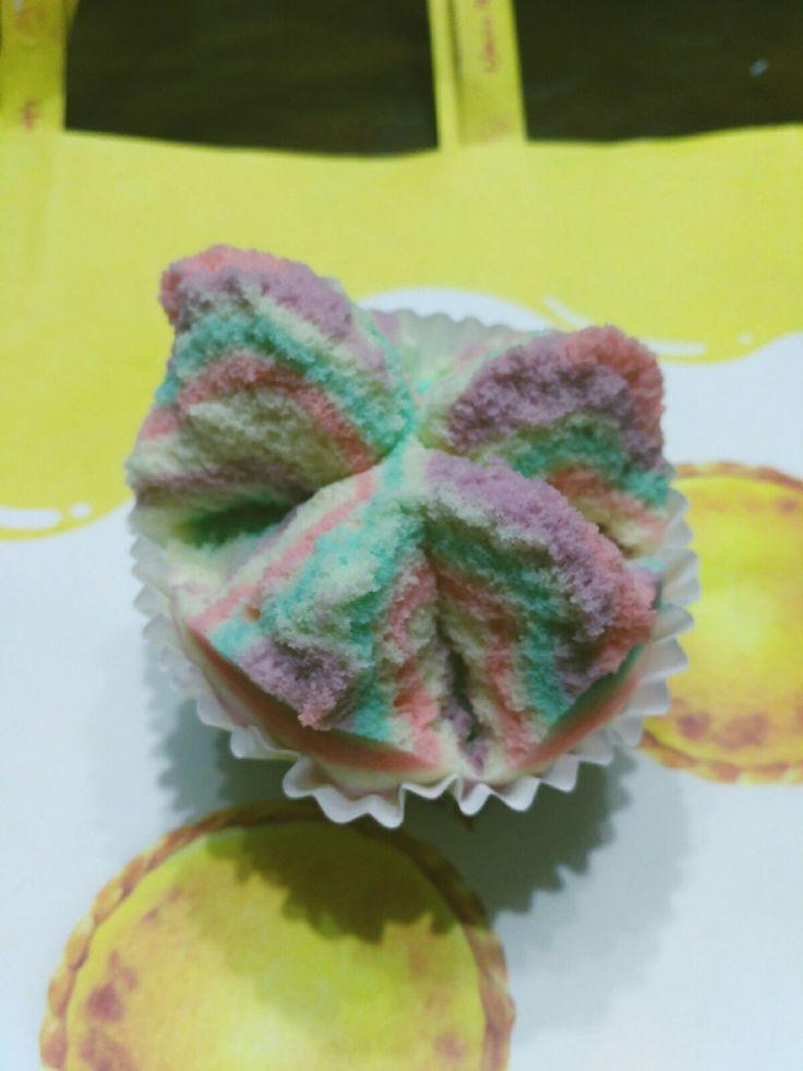 Rainbow steamcake