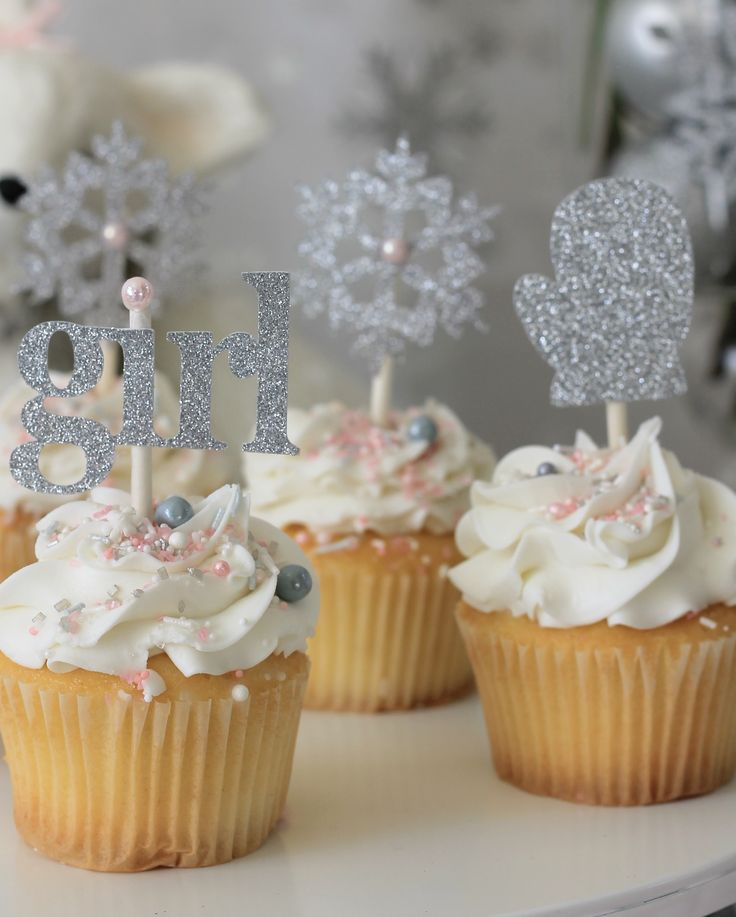 Baby it's cold outside,winter Wonderland,winter Onederland, snowflake, winter baby shower, winter baby shower ideas, girl winter baby shower, winter girl birthday, snowflake party, frozen