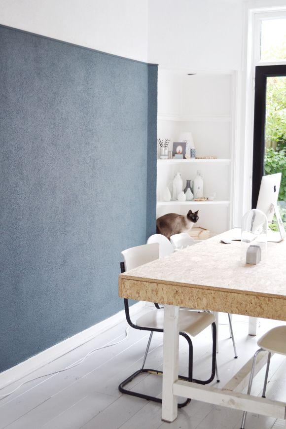 Blauwe muur met inbouwkast | Nikigem