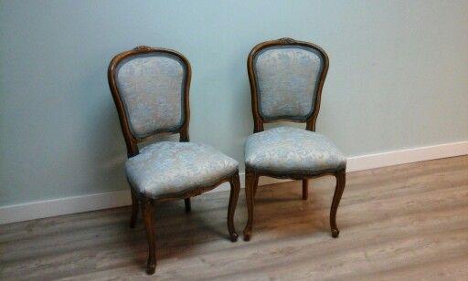Sillas clasicas en tonos azules chair sillas tapizadas for Sillas clasicas tapizadas