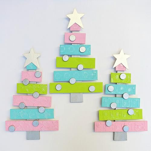 Modern Christmas Pallet Tree with Metallic Accents -- Go with non-traditional holiday colors this season.  #decoartprojects