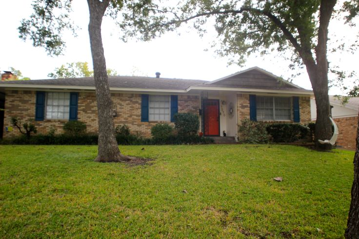 1961 Traditional Brick Ranch Home Blue Shutters Coral