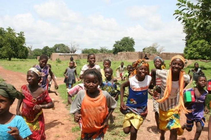running smiles, Burkina summer mission realimpact.com