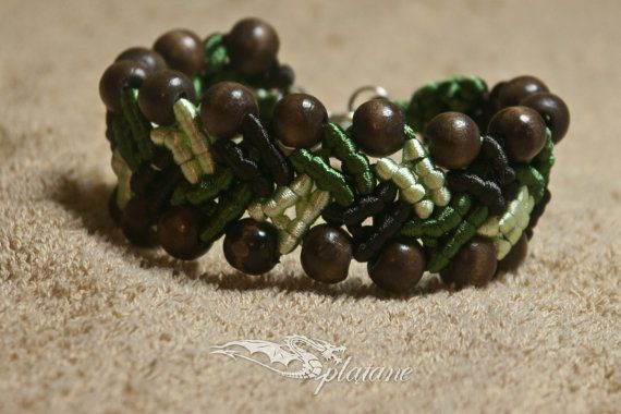 Macrame braid green and brown with wooden beads by Splatane, €6.00