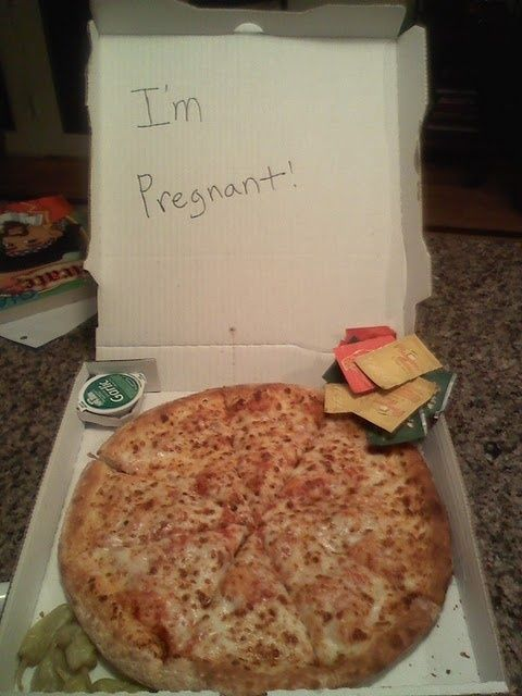 Fun way to announce a pregnancy - Delivered Pizza