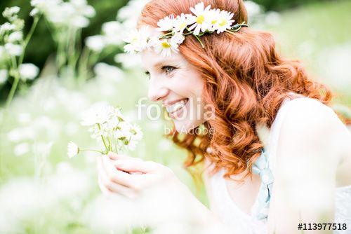"""Pobierz zdjęcie royalty free """"hübsche rothaarige frau in der natur"""" autorstwa drubig-photo w najniższej cenie na Fotolia.com. Przeglądaj naszą bazę tanich obrazów online i odnajdź doskonałe zdjęcie stockowe do Twoich projektów reklamowych!"""