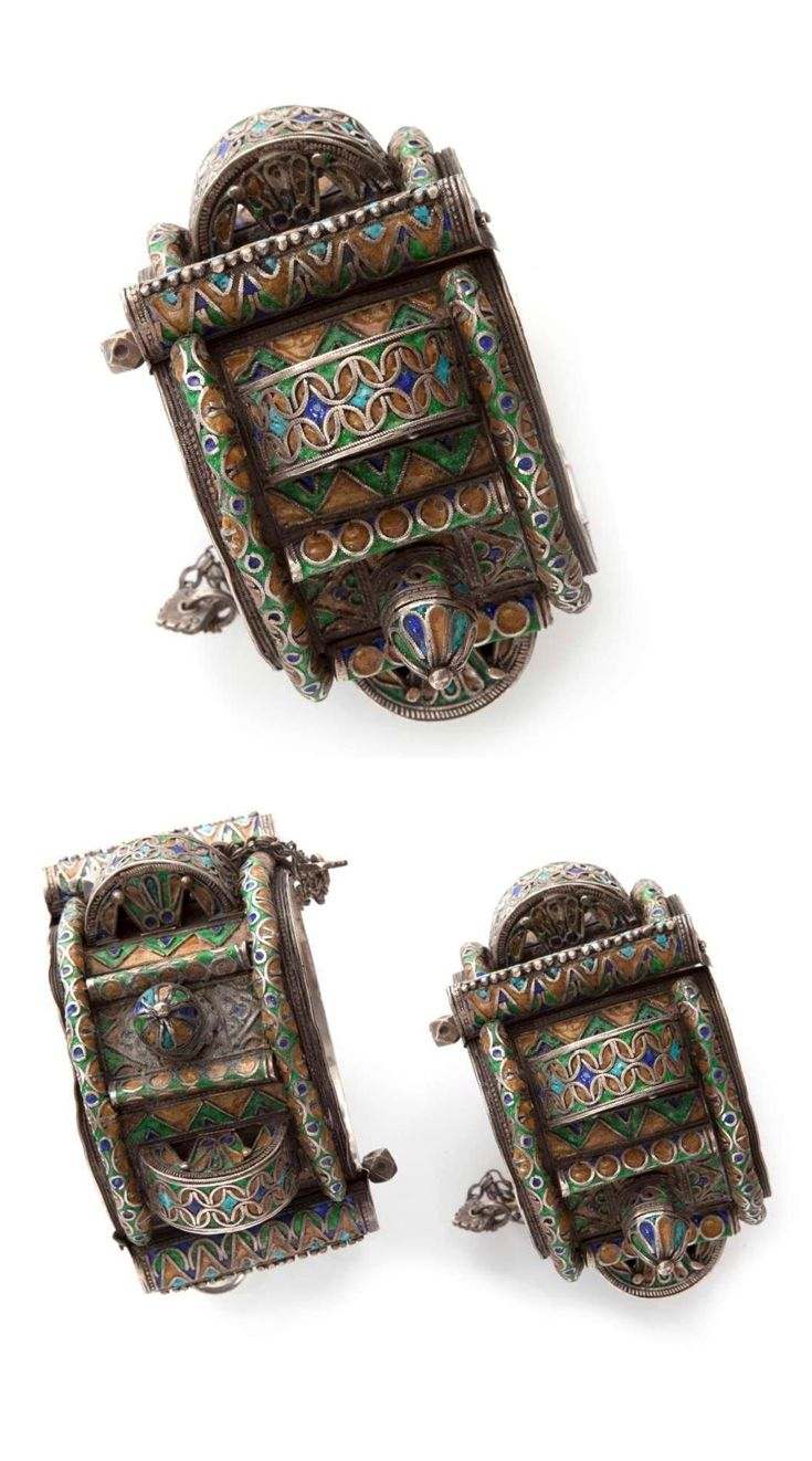 Morocco | Pair of anklets from the Anti Atlas region; silver with enamel | ca. 18th - 19th century | 2500 € ~ sold (Dec '14)