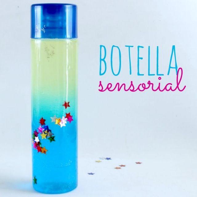 Las botellas sensoriales son una excelente manera de apoyar el desarrollo de tus hijos desde una temprana edad. Son ideales para trabajar incluso a partir del primer mes de vida cuando ellos comienzan a enfocar objetos y seguirlos con sus ojos.
