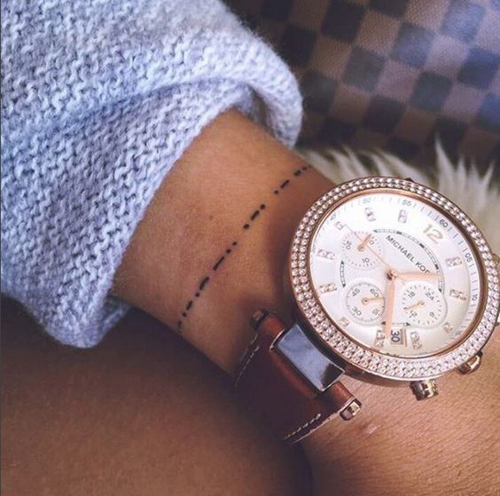 30 petits tatouages poignet plus élégants qu'un bracelet | Glamour