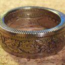 Wunderschöner Ring aus 2-Schweizer-Franken-Münze. Ringgröße: inn Ø18-22 lieferbar Breite: 8mm Stärke: 1,5mm