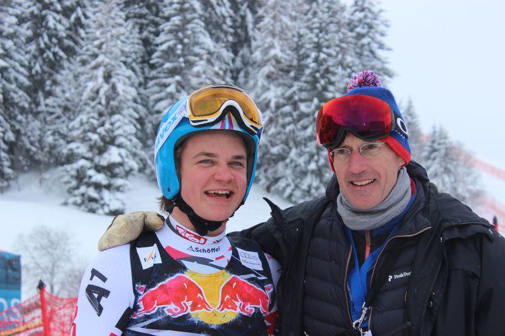 Tolle Stimmung bei der Europacup Abfahrt in #Kitzbühel der Lokalmatador #MoritzMarko im Ziel mit Skiclub Präsident #MichaelHuber #Hahnenkammrennen