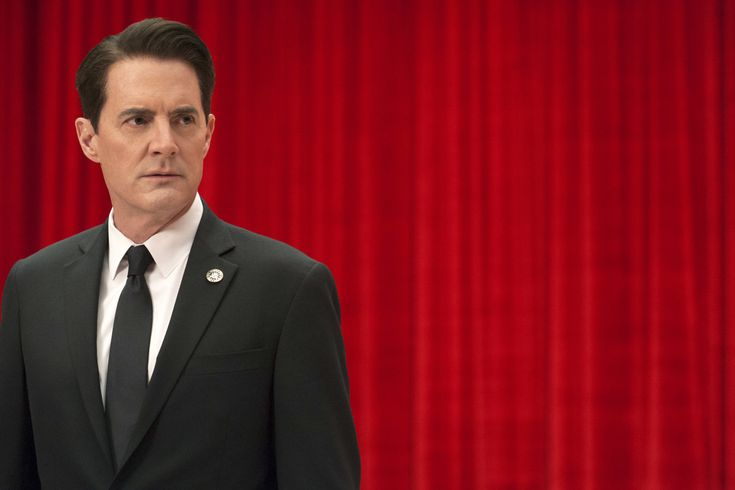 """The """"Twin Peaks"""" Reboot Ratings Are A Perfect Example Of How TV Viewing Is Changing  https://www.buzzfeed.com/kateaurthur/the-twin-peaks-ratings-are-actually-good?utm_campaign=crowdfire&utm_content=crowdfire&utm_medium=social&utm_source=pinterest"""