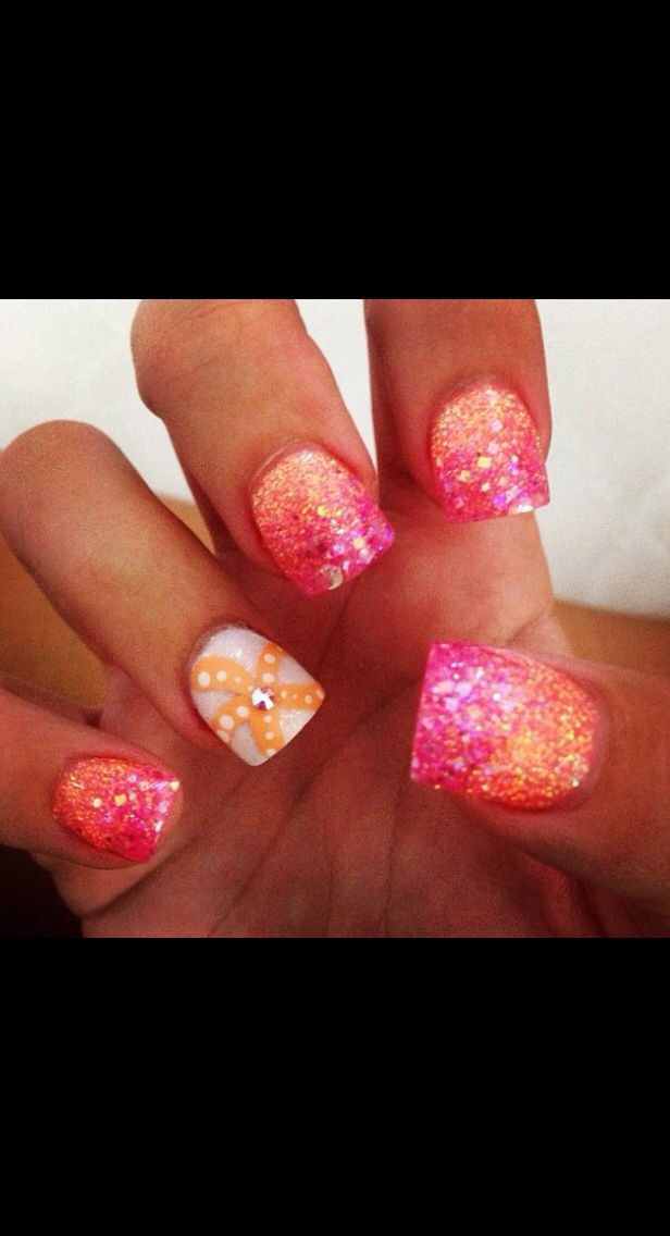 Perfect summer nails! But i'd like these in aqua & light blue & navy!!