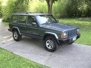 Jeep Cherokee Sport - I always wanted a Jeep so I got one of these and it had lots of issues so it got traded quickly. I never got stuck in it though!