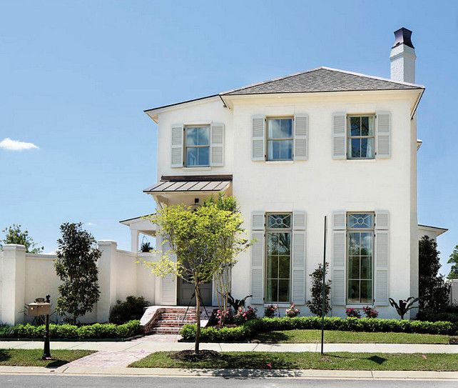 Home Exterior Paint Color. The body of the house is Benjamin Moore Dove Wing 960 #BenjaminMooreDoveWing