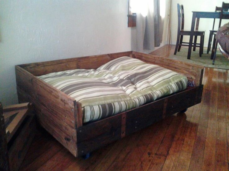 Pallet Dog Bed I Made For Remy Creative Ideas