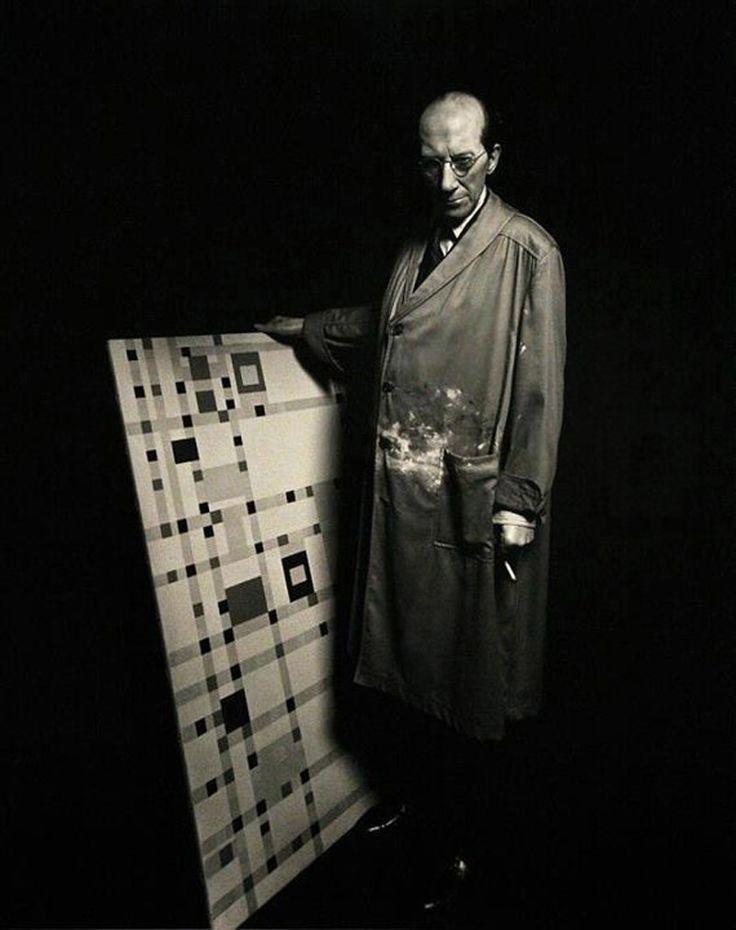 Пит Мондриан у себя в студии с «Бродвей буги-вуги», 1944 год.