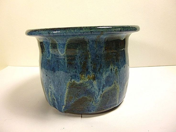 """HANDCRAFTED ART POTTERY,BLUE DRIP GLAZED PLANTER VASE 4.5""""TALL SIGNED KATS 98"""