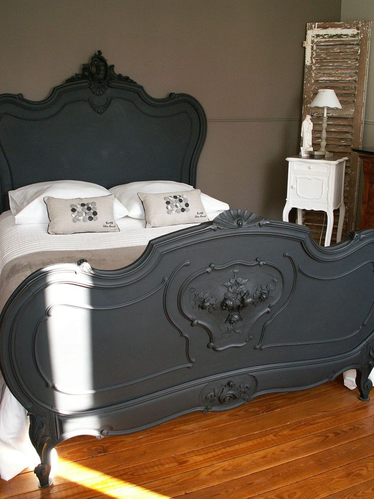 les 25 meilleures id es de la cat gorie chambre gothique. Black Bedroom Furniture Sets. Home Design Ideas