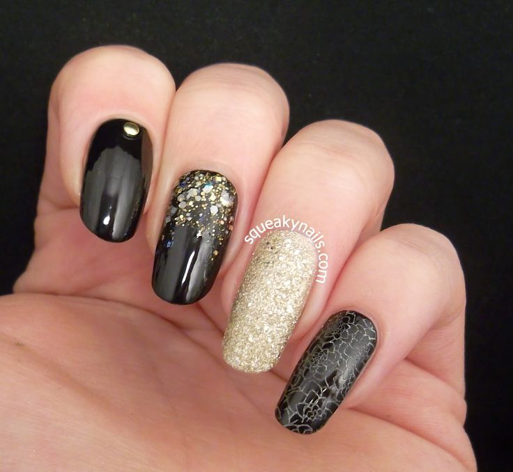 Black and Gold Skittlette | Squeaky Nails http://www.squeakynails.com/2014/12/frosted-porcelain.html