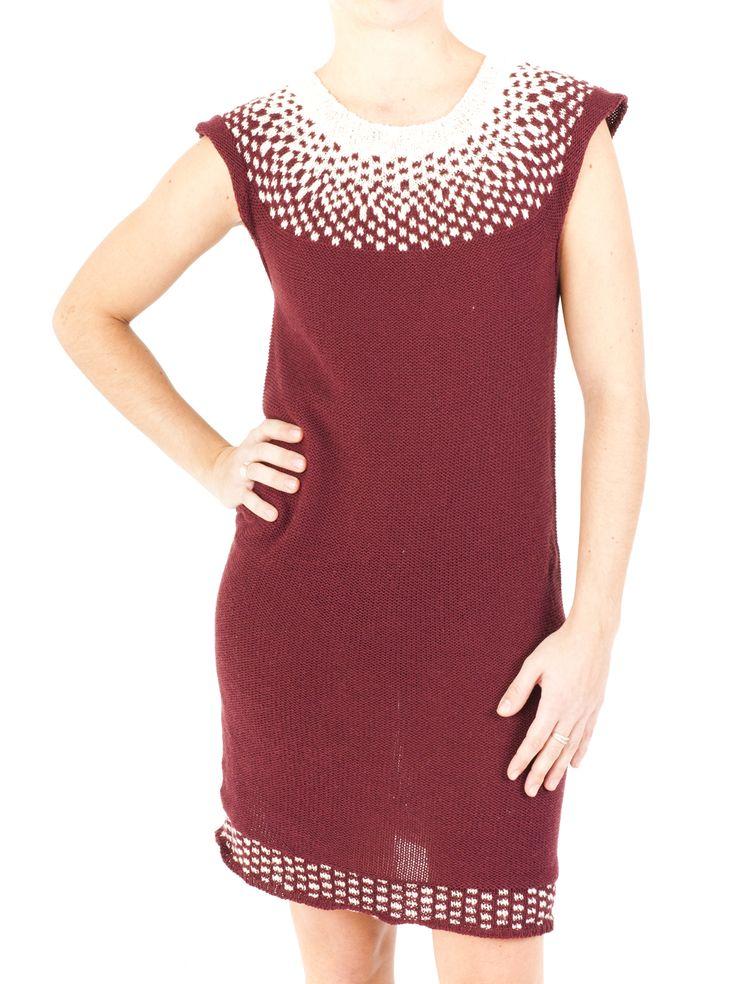 Compra ahora el vestido de punto para mujer con diseño geométrico jacquard. Perfecto para este Invierno 2014, disponible en 4 colores diferentes. ¿Te gusta?