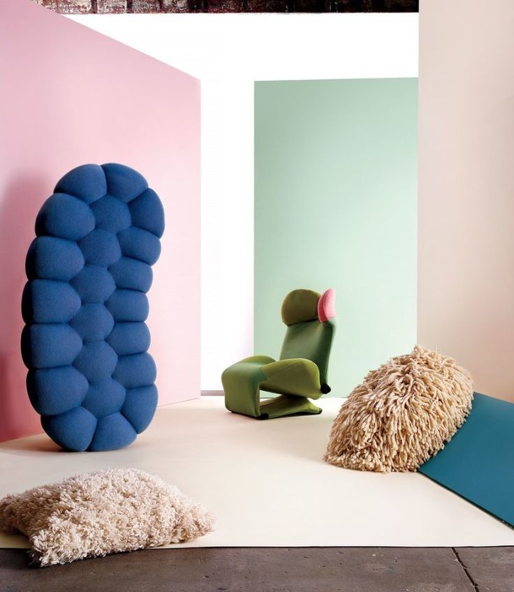 Bubble ottoman, designed by Sacha Lakic | Roche Bobois | photo courtesy of the New York Times
