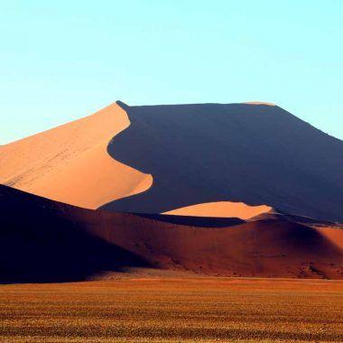 Sossusvlei Namibia, the Namib desert on a budget.